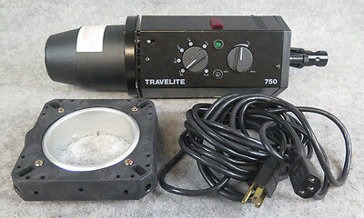 Bowens/Calumet Travelite 750 Monolight Studio Strobe Flash with modeling lamp.