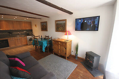 Holiday in South of France, House to Let, Sleeps 2, Wi-Fi, Riverside Location.