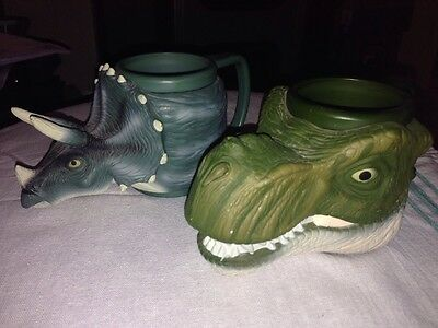 2 Jurassic Park Cups Mugs 3D 1997  vey rare Equity Toys ��