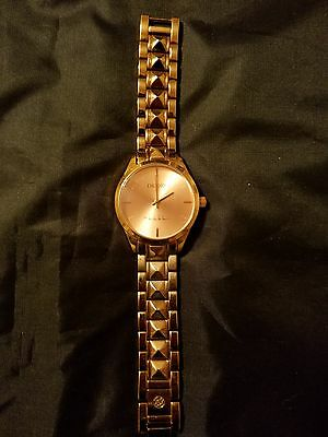 """Beautiful Rose Gold """"nicole Miller"""" Latch Style Ladies Watch - Nnm131"""
