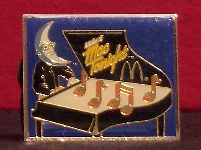 "McDonald's ""Make it Mac Tonight"" Piano Vintage 1980's Crew Award Pinback"