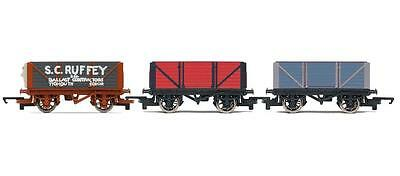 Hornby R9301 Thomas and Friends Wagon Triple Pack B