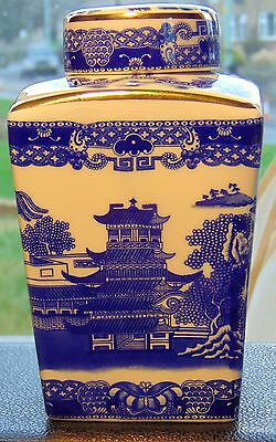 Ringtons - Wade Willow Pattern Tea Caddy With Cover, In Excellent Condition.