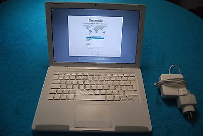 Apple Macbook A1181 Intel Core 2 Duo 2,10Ghz 4Gb/320Gb principios 2008