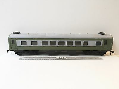O Gauge Unknown Make - Plastic Passenger Coach - Please See Below.