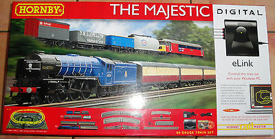 HORNBY R1172 THE MAJESTIC DIGITAL DCC TRAIN SET with 2 Trains OO GAUGE