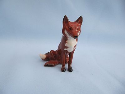 BESWICK FOX SEATED No 1748