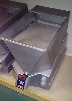 CRYPTO POTATO CHIPPER good condition (missing knife block)