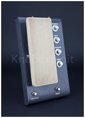 """Keio Synthesizer Traveler F-1. Early 70ies """"pre Korg"""" guitar fuzz effect pedal"""