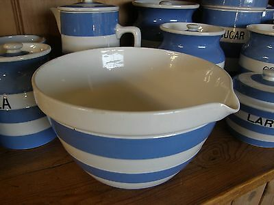 "VINTAGE T.G.Green CORNISHWARE ~ 7¾"" mixing bowl with pouring lip ~ 1930's"