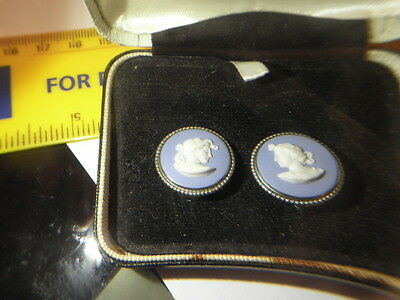 1966 Wedgwood Sterling Silver Mounted Blue Jasperware Cameo Clip On Earrings Box