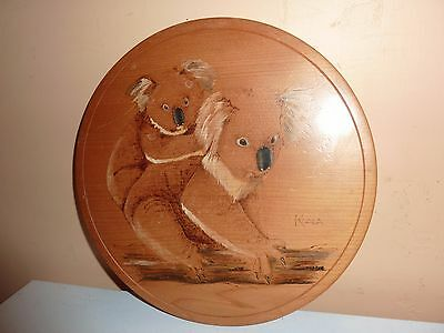 Wooden 24.5Cm Diameter Plaque With Etched 2 Koala Bears Ona Branch By Aghidu Nsw