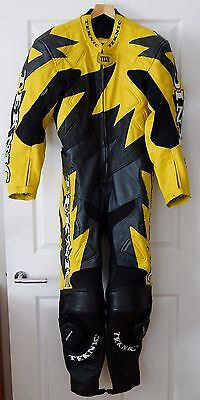 TEKNIC BLACK & YELLOW 1 PIECE LEATHER MOTORCYCLE SUIT Size 40 / 50