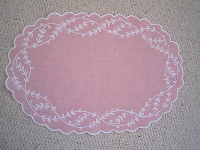 8 Pink Placemats and napkins