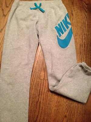 Nike Girls Sweat Pants Size Large (12-13 Years). Gray Color.