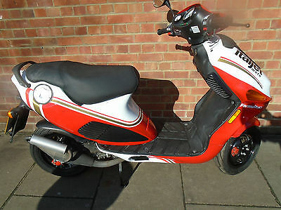 Italjet F 50 Lc 2 Owners Only 1000 Miles Rare Collectable Scooter