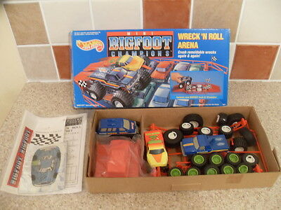 vintage Hot Wheels mini Bigfoot Champions Wreck'n Roll Arena boxed 1991 Mattel