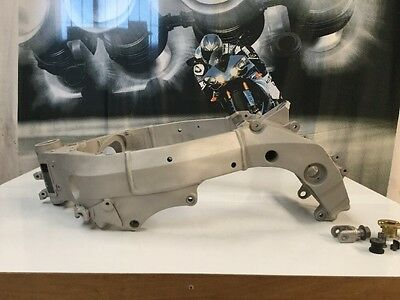 Suzuki Gsxr 1000 K6 Frame Hpi Clear With V5