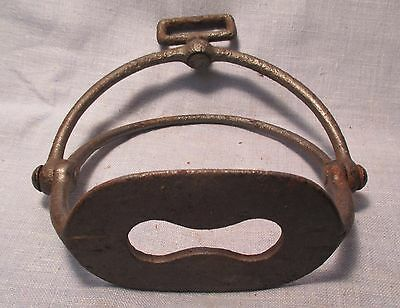 Single 1800's Plantation Iron Swinging Stirrup Top does not move MAKE OFFER