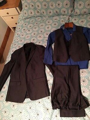 Boys 3 piece Grey Suit and Shirt Size 10 years
