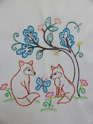 Vintage Style Woodland Foxes ~ Embroidered Quilt Block/Panel