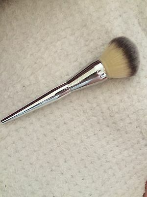 BRAND NEW! IT Cosmetics Live Beauty Fully #211 DUPE Brush