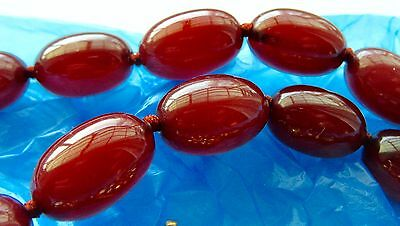 Cherry Amber Bakelite Graduated Oval Beads With Self Clasp Mint