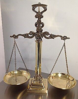 STUNNING ANTIQUE Vintage Brass Based Scale of Justice Libra Classic APOTHECARY