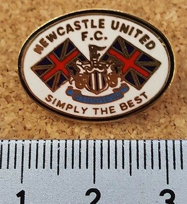 Newcastle United SIMPLY THE BEST football pin badge