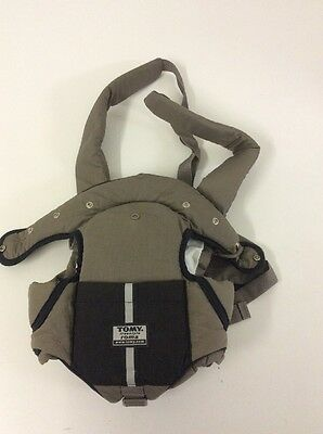 D539 Tomy roma baby carrier