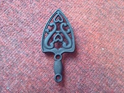 Vintage Wilton sad iron kitchen cast iron trivet