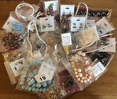 Job Lot of 50 Fab New mixed Jewellery Items Ideal For Resale/Gifts/Fetes