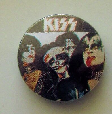KISS VINTAGE METAL BUTTON BADGE FROM THE 1980's CRAZY NIGHTS