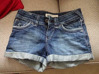 Women's shorts. Denim Hot pants style. Size 6 By Yes