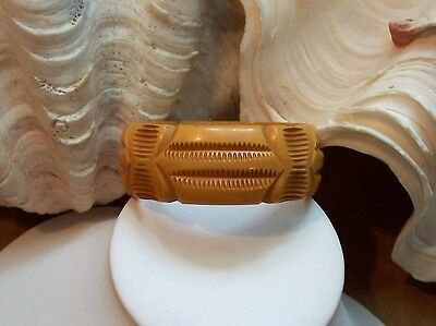 Fabulous wide heavily carved butterscotch Bakelite Bracelet ~ old vintage Bangle
