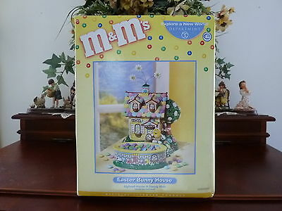 """Dept.56 M & M's""""Easter Bunny House"""" #56.569324 NIB (lighted)"""