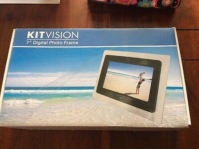 "NEW KITvision 7"" Digital Photo Frame"