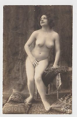 Superb Old Card Young Woman Glamour Erotic Pin Up Around 1910 Seins Nus