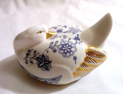 Beautiful Rare 1974 Minton 'Shalimar' Porcelain Swan • Mint Condition and Boxed