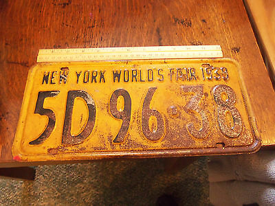 Auto License Plate from New York World's Fair 1939 -Yellow Plate NICE