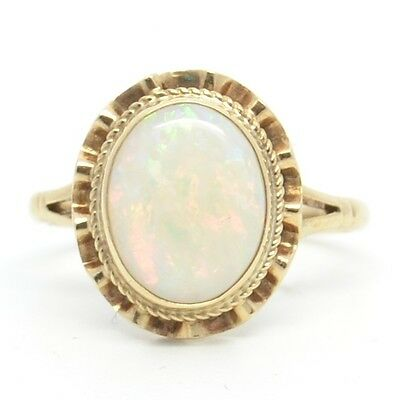 Stunning Vintage 9ct Gold Opal Solitaire Ring