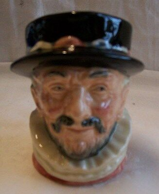 Royal Doulton Small (8 CM) Character Jug Beefeater No D6233 Excellent Condition