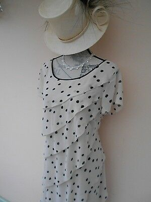 Jacques Vert Special Occasion Dress Size 18 with Matching Hat. (New)