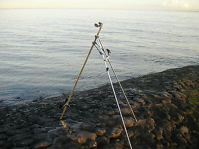 5FT SEA FISHING TRIPOD with a lot of extras