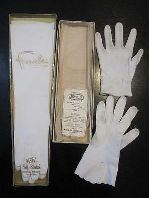 Women's Vintage NEW NOS Finale Self Stretch Nylon White Dress Gloves + Aris Card