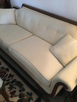 BEAUTIFUL Victorian Couch!