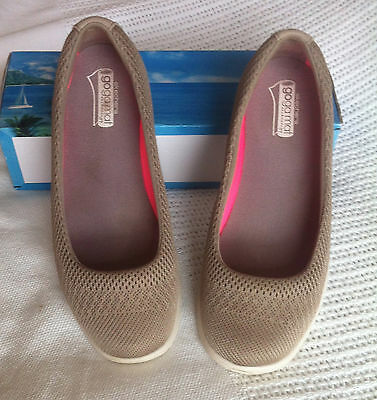 Ladies Skechers Go Step Casuals size 6 (Euro 36.5)