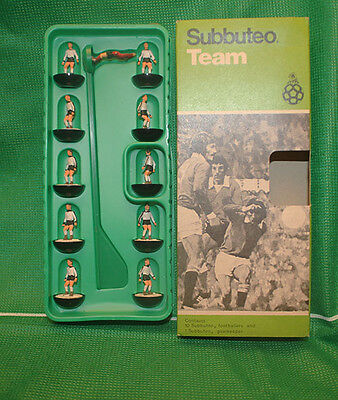 Subbuteo Team Hw Ref 154 England Version Black With Sleeve Trim Only For Italy