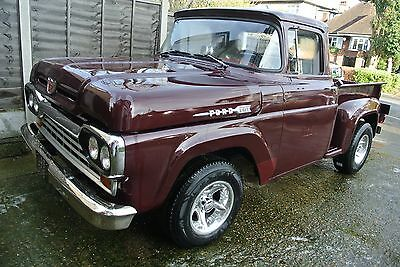 Ford F100 1960 stepside pick up