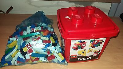1kg LEGO - MIXED LOT, STANDARD PIECES, LARGE PLATES AND MORE